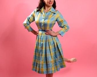 1960's Lisa Cobb Saks Fifth Avenue Exclusive nylon shirtdress.