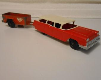 1959 Tootsietoy Ford Station Wagon & U-Haul Trailer
