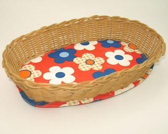 Vintage 70s bread basket