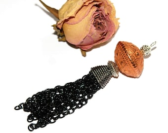Tassel metal: black and copper 8.5 cm x 2.5 cm