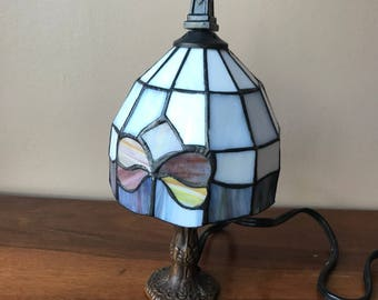 Mini Tiffany Style Lamp, Vintage Lighting, Glass Accent Lamp. Stained Glass Lamp