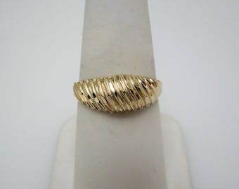 c420 Beautiful 14k Yellow Gold Domed Ribbed Ring