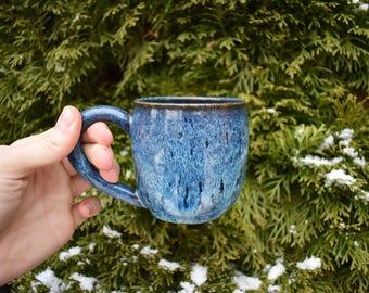 10 oz. Blue Drip Mug