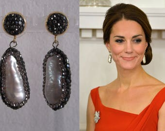 Kate Middleton Duchess of Cambridge Inspired Replikate Baroque Pearl Double-Sided Drop Crystal Earrings