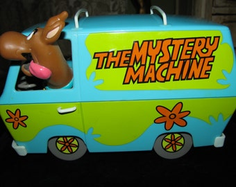 Adorable Vintage Groovy Scooby Do The Mystery Machine Toy Van Collectible Battery Operated