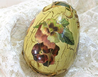 Decoupaged Easter Egg with Victorian Style Pansies