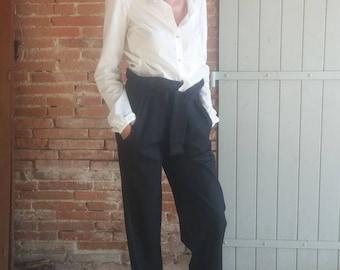 Broad pants / adjustable / comfortable / black striped wool. 04516