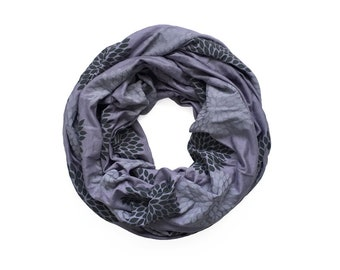 MINI INFINITY SCARF - Gray Double Flowers on Amethyst