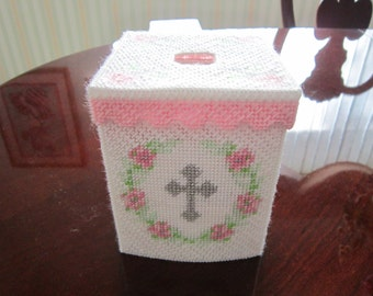 Cross and Flowers Tissue Topper