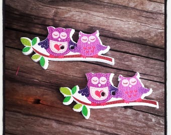 set of 2 wooden button, OWL on a branch
