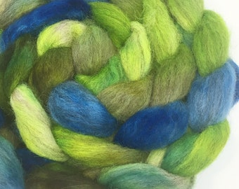 Lallybroch - handdyed combed tops roving for spinning and felting 100g