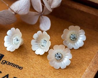 Vintage Flower Beads Off White Acrylic Lily Flower Button Beads with Rhinestone 12mm