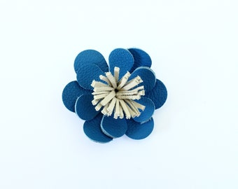 Barrette / clip in Royal blue leather