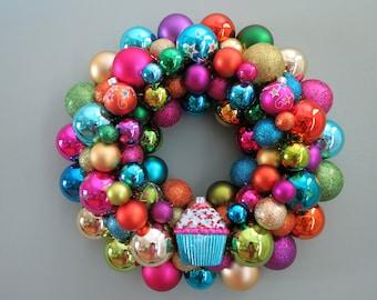 Reserviert--glücklich Geburtstag Ornament Kranz 2 helle Kranz bunt