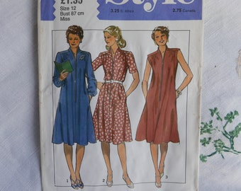 Vintage 1980s dress pattern, Style 3249, loose-fitting dress, size 34 inch bust, 1981, UNCUT