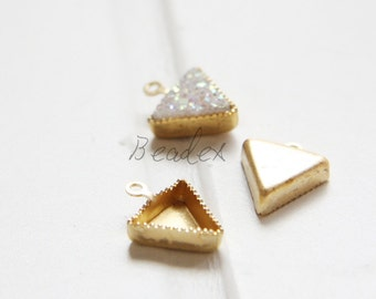20 Pieces / Triangle Cabochons Setting/ Raw Brass / Brass Base (C3061//S248)