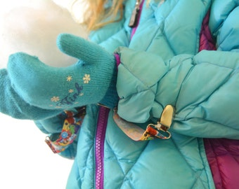 One Size Mitten Clips Toddler to Adult - Shopkins