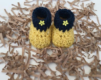 Crochet Baby Booties, Yellow and blue Baby boots, Acrylic and Wool boots, Comfy boots, Baby shower gift, Newborn Baby Gift, Baby Shoes