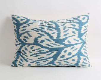 ikat pillow, silk ikat pillow cover, silk pillow, blue handwoven ikat, uzbek ikat pillow