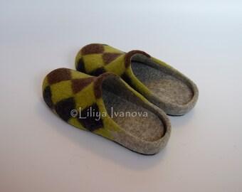"""Felted slippers """"Dandy"""", slippers for man, handmade slippers."""