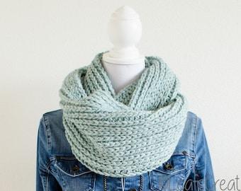 Crochet Infinity scarf Loop scarf Cowl scarf Circle scarf wool light green