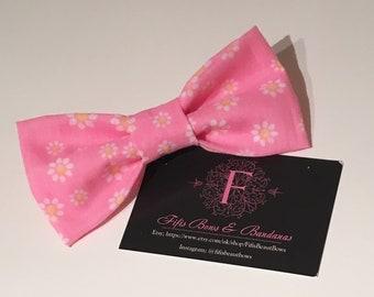 Daisy dog bandana bow - pretty pink daisy -puppy animal bandana neckwear - daisy accessories - daisy bow