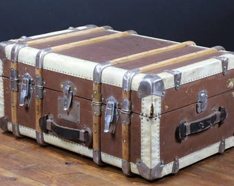R2287 fitted cabin trunk