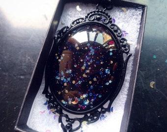 Collier gothique de mercure - boîte-cadeau noire inclus