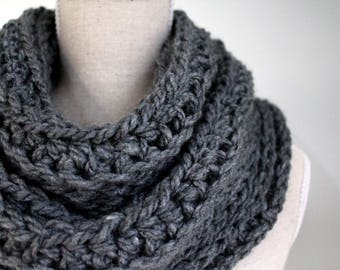 Knit infinity scarf, Grey winter scarf, Grey scarf, Wool scarf, Ladies winter scarf, Neckwarmer, Eternity scarf, Loop scarf, Charcoal grey