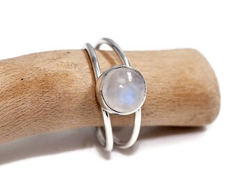 Moonstone Ring    Moonstone Jewelry   June Birthstone Ring    925 Silver Ring   Moonstone Jewellery   Gift for Her   Gemstone Ring   UK