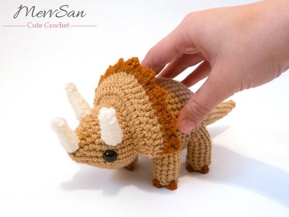 Häkeln Sie Bestellung - Amigurumi Triceratops Dinosaurier - Amigurumi Dinosaurier Plüschtier gemacht, Dinosaurier Softie, Amigurumi Dinosaurier ...