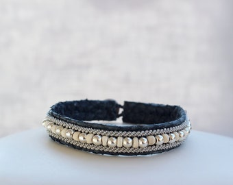 Grey salmon leather bracelet with cords and silver beads, waxed coconut washers. Bracelet woman, man and trend
