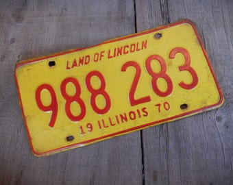 Vintage License Plate Illinois 1970 Rustic Garage, Industrial, Man Cave, Pub, Bar Decor, Wall Hanging, Home Decor
