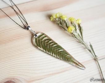 Wild fern necklace Terrarium necklace Pressed flower pendant Resin jewelry Nature necklace Botanical jewelry Fern pendant Wild necklace
