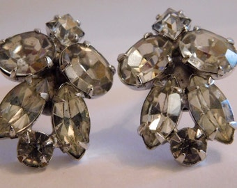 """Vintage Unsigned Art-Deco Rhinestone Earrings, articulated marked """"Pat. 1967965"""" rhodium plated Clip 1930s"""
