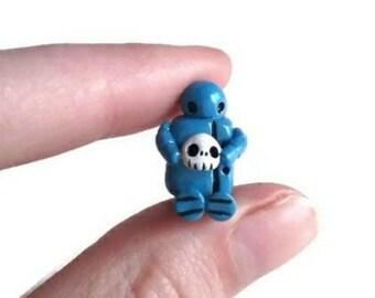 Robot art, collectible figurine, miniature robot figure, geeky gift, polymer clay sculpture, designer art toy, retro, skull.