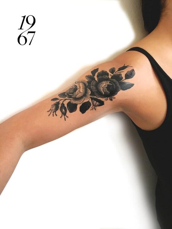 tatouage temporaire paire de roses en noir et blanc. Black Bedroom Furniture Sets. Home Design Ideas