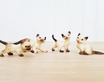 Vintage Hagen Renaker Cat Figurines Siamese Cat Family of 4 Miniature Cat Hagen Renaker Figurine Cat and Kittens Collectible Cat Mini Cat