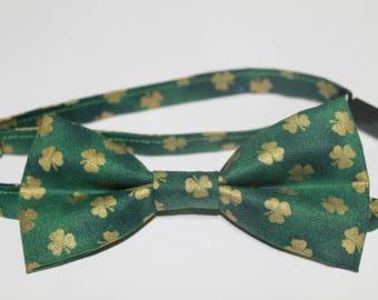Shamrock Bow Tie, St. Patrick's Day Bow Tie, Green Bow Tie, Clover Bow Tie, boy bow tie, baby bow tie, kids bow tie, men's bow tie