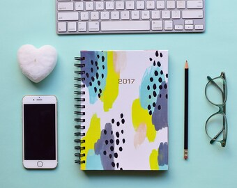 FREE SHIPPING Daily Planner 2017 | 12 Months Planner | Choose your start month | Green abstract design with gold foil