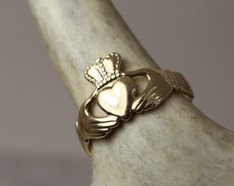 Estate 14K Gold Claddagh ring, Made In Ireland, size 8, Irish hallmarks, 1987 gold Irish ring, Engagement ring, Irish wedding ring