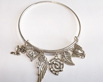 Beautifull charm bracelet with 6 charms