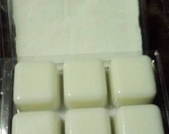Clamshell melts soy wax