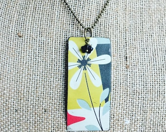 "Tin Jewelry Necklace ""Mod Daisy"" Tin for the Ten Year Tenth Wedding Anniversary"