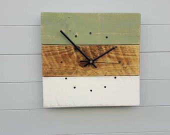 Palletwood Clock - Rustic Wall Clock - Reclaimed Wood Wall Clock - Wall Clock - Pallet Wood Clock - Square Clock - Shabby Chic Clock