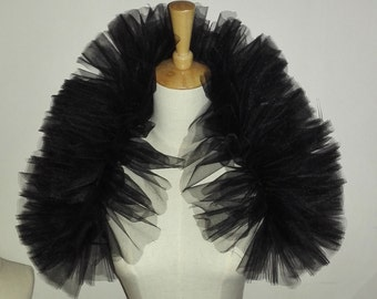 Hand-gathered tulle shoulder wrap FC16002