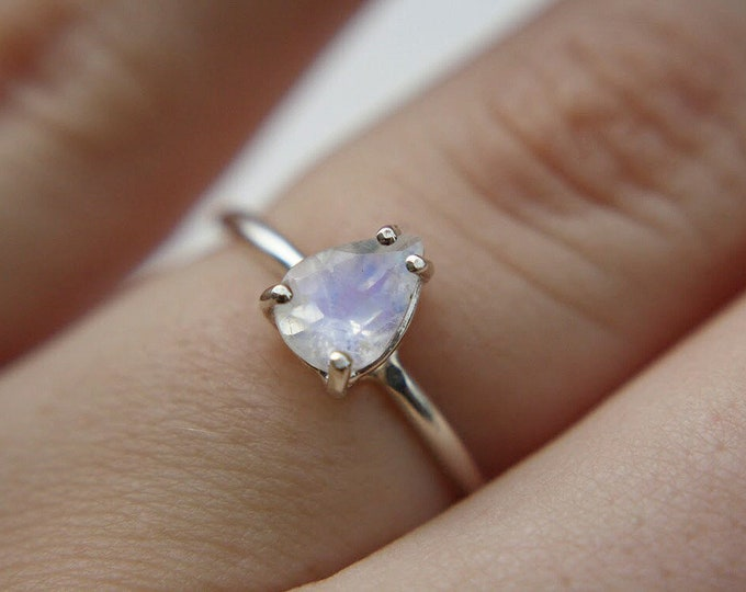 7x5 Pear Faceted Moonstone Ring