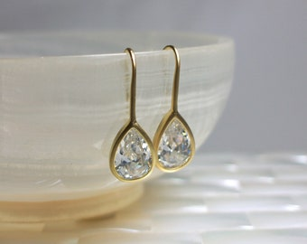 Matte Gold Tear Drop Cubic Zirconia Pierced Earrings Gold Earrings Fashion Jewelry Modern Jewellery Glass Crystal Faux Diamond GIFT IDEAS