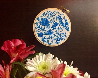 Small 4'' Khokhloma Hoop in bright blue color