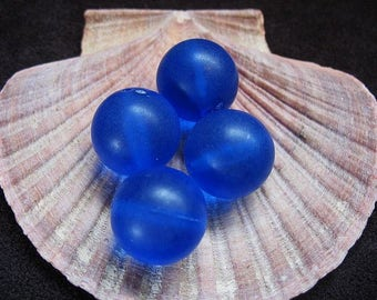 Vintage Lucite Beads Blue Raspberry Slushy Color and Round  Pattern 17.5mm - Four